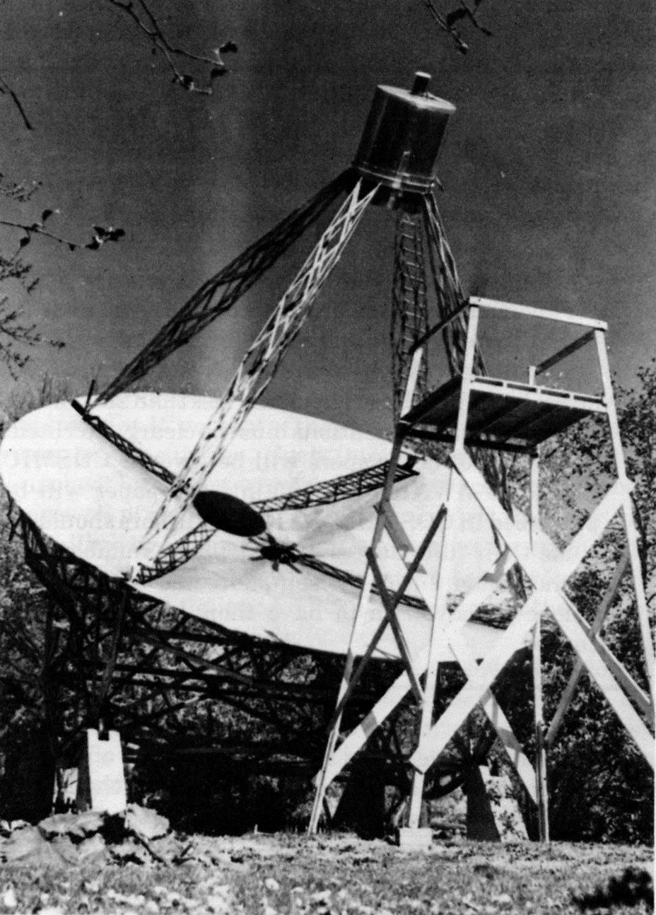 Antena de Grote Reber en Wheaton, Illinois. Primer radiotelescopio (Crédito: http://www.ezizka.net/astronomy/)