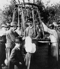 Fig2: Victor Hess en uno de sus vuelos.